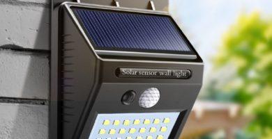 Luz con panel solar y detector de presencia