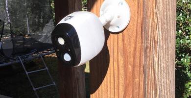 Alarma con detector de movimiento para jardín