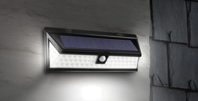 Alarma con sensor de movimientos, luz y panel solar